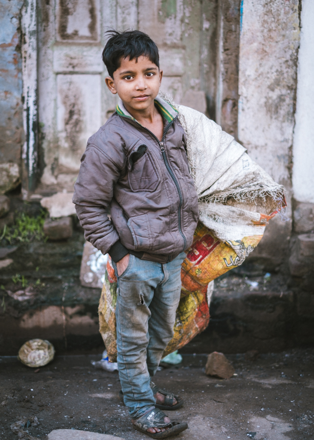 Street-kid-homeless-dirty-varanasi-India-Nathan-Brayshaw