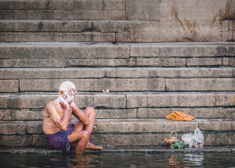 Bathing-Ghats-river-ganges-varanasi-India-Nathan-Brayshaw