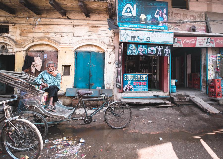 Rickshaw-man-street-varanasi-India