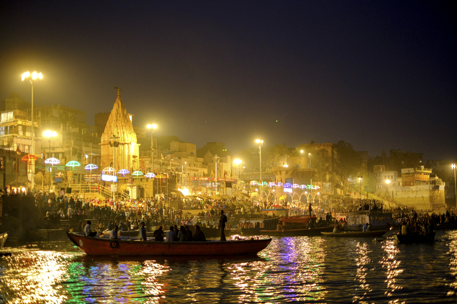 Sunset-boat-road-river-ganges-varanasi-India-Nathan-Brayshaw